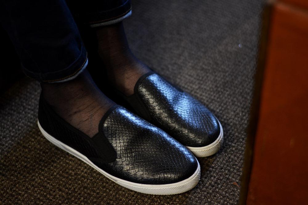 Black_crocodile_pattern_slipons