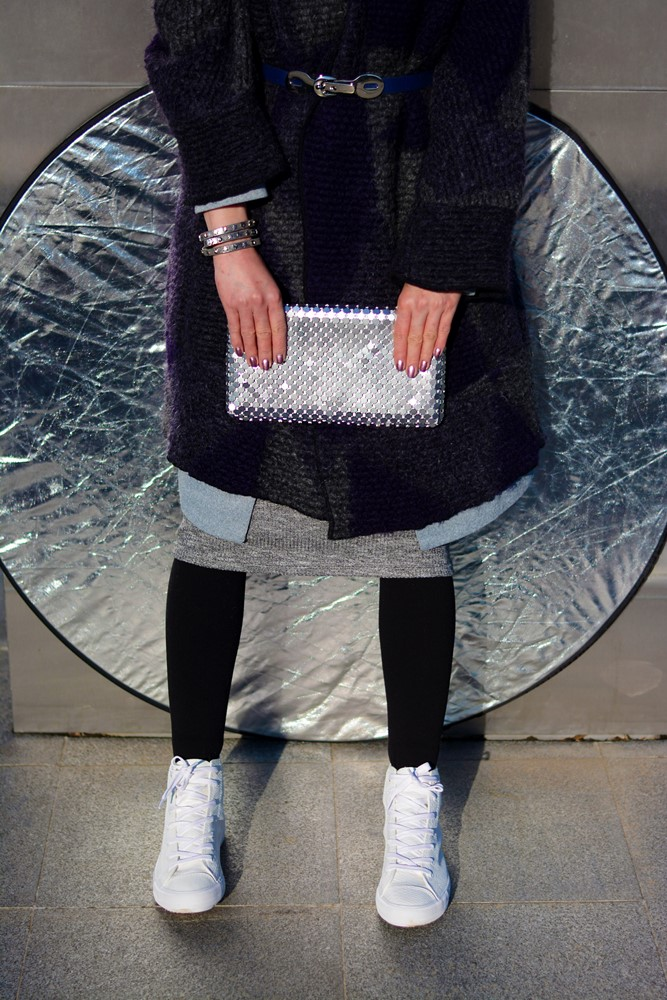 Monochromatic_outfit_silver_glitter_clutch_grey_necklace_white_sneakers
