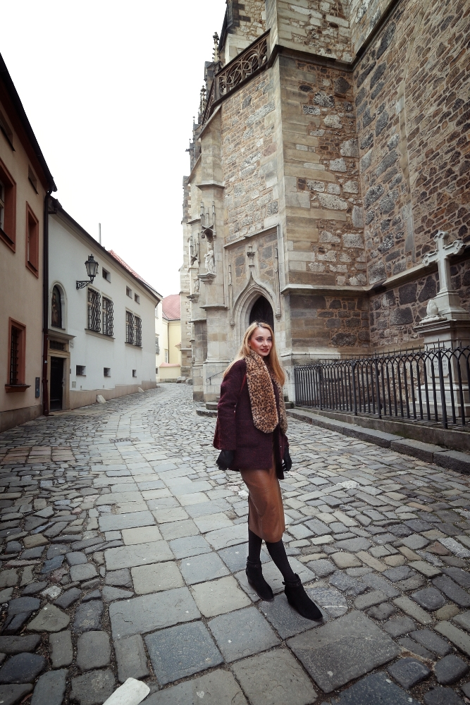 Faux_Leather_Midi_Skirt_Brno_Walk_Old_City