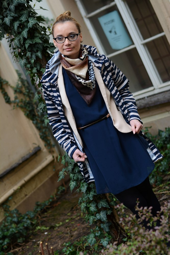 Blue_chiffon_dress_and_Parka