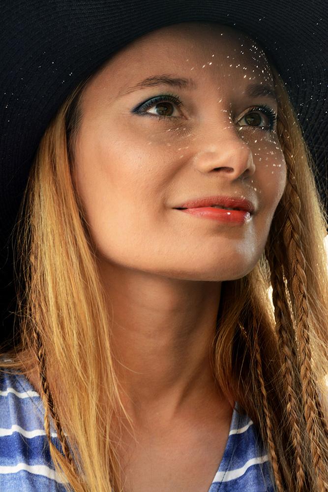 Portrait_Under_big_hilfiger_hat